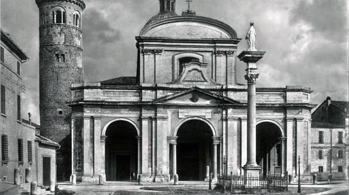 Il Duomo, facciata del XVII secolo e campanile del X secolo,  Edizioni Anderson, 1927 (copyright Biblioteca Classense)