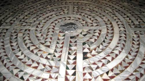 Il labirinto dell'anima all'interno di San Vitale